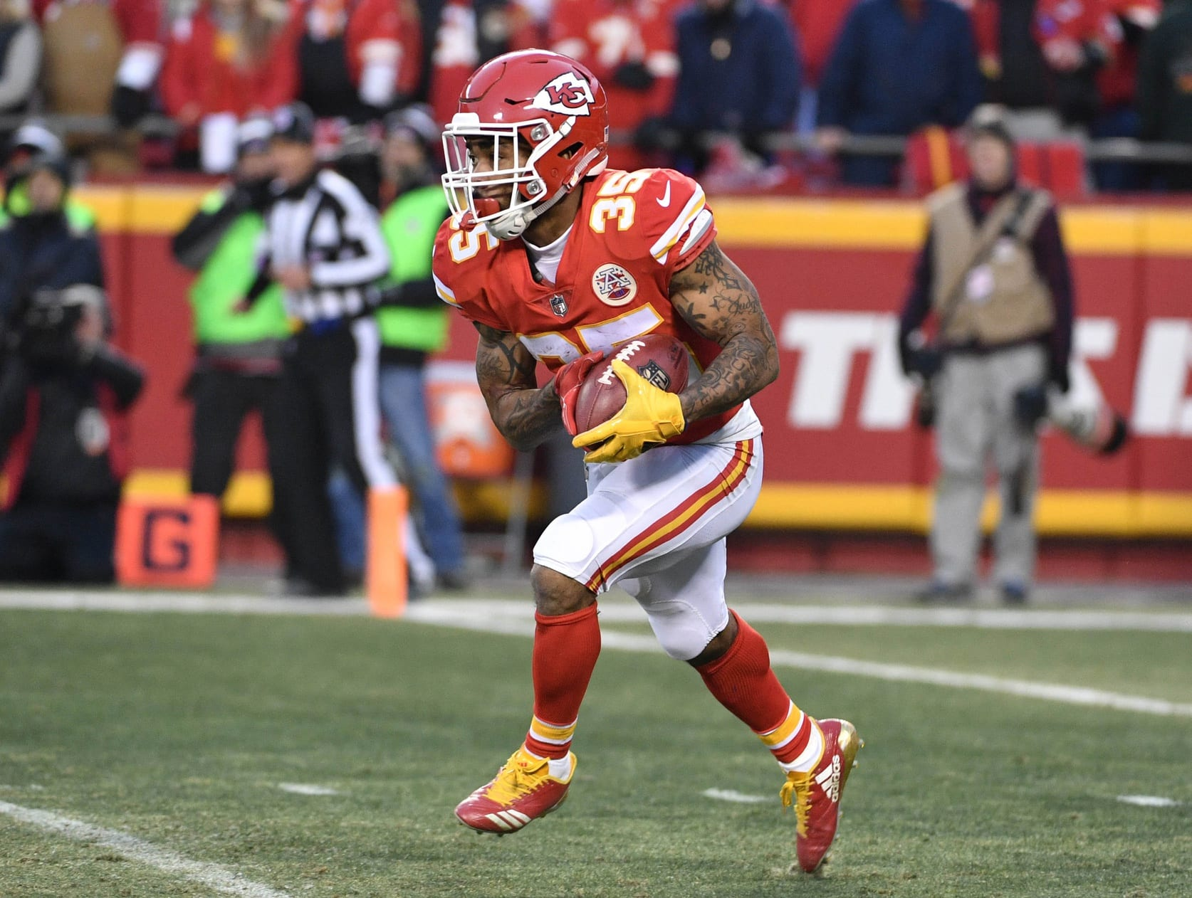Jets Release RB Charcandrick West | NFLTradeRumors.co