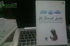 review novel Di Tanah Lada