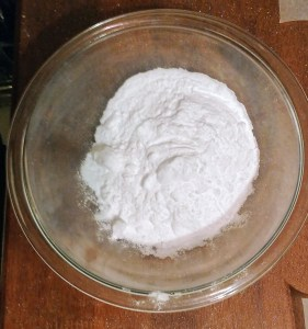 Holly Berry Bath Bombs Recipe:Prepare the Dry Ingredients for the White Portion
