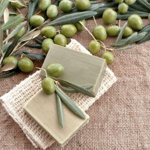 Olive Leaf Powder Benefits: Bath and Body Uses