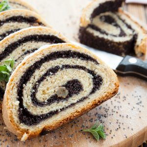 What Are Poppy Seeds Benefits?: Food and Beverages