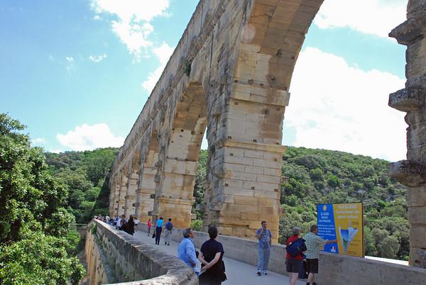 Visting the Pont du Gard, Southern France (5/6)