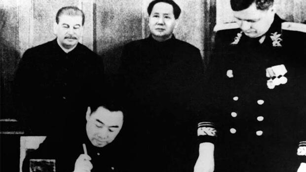 15/02/1950: Xô – Trung ký hiệp ước liên minh