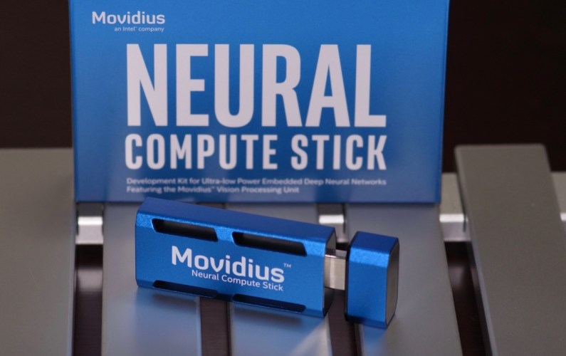 Movidius Neural Compute Stickを試す