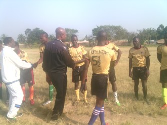 NJINGUM MUSA GREETING THE PLAYERS FROM BAMBALANG