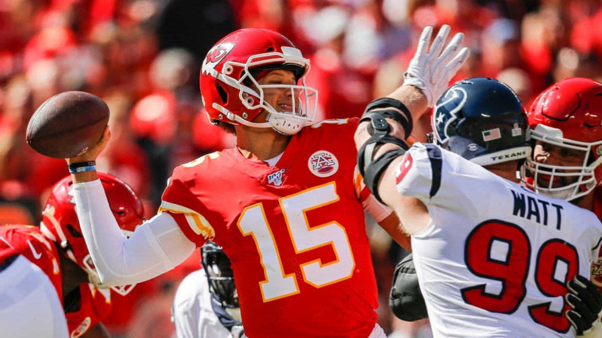 NFL: Chiefs rout the Texans after hot start
