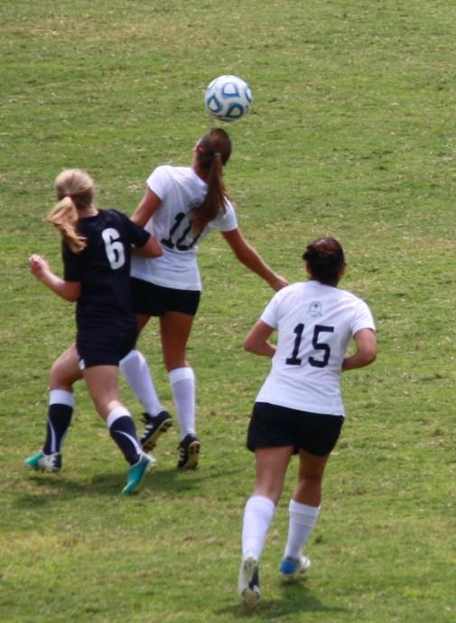 NGU Ladies soccer 3rd scrimmage 001