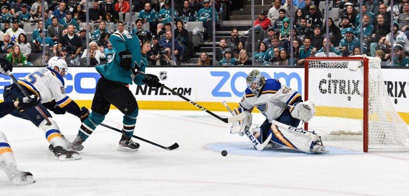 Sharks vencem contra Blues