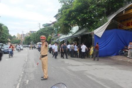 Tại lễ tang của một trong hai nạn nhân, lực lượng chức năng, công an, quân đội, cảnh sát giao thông đã được điều động tăng cường để đảm bảo an ninh trật tự - Ảnh: baodansinh.vn
