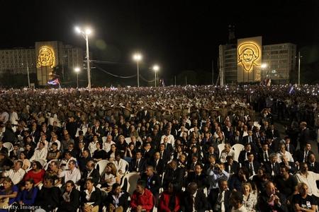 Lễ tưởng niệm Fidel Castro tại quảng trường Cách mạng, Havanna - Ảnh: Sven Creutzmann (Mambo Photo)