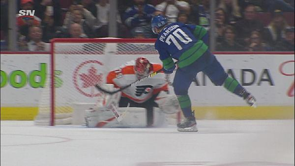 Canucks top Flyers in shootout, deny Hart third straight victory