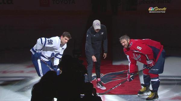 Capitals celebrate Della Donne, champion Mystics at game vs. Maple Leafs
