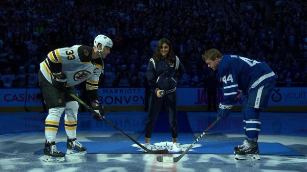 Maple Leafs honor tennis hero Andreescu before game against Bruins