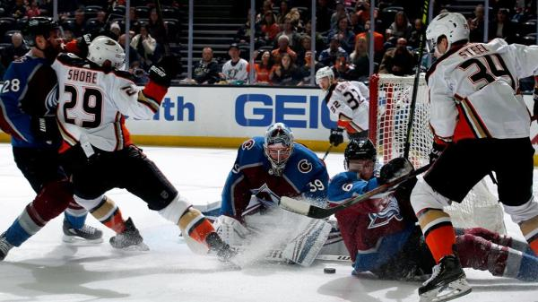 Francouz makes 26 saves for first NHL shutout, Avalanche defeat Ducks
