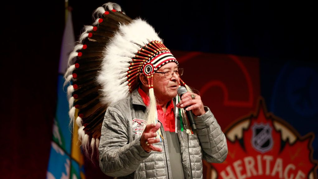 Fred Sasakamoose, trailblazer for indigenous players in NHL, dies at 86