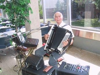 2003-32-EdCarlson2