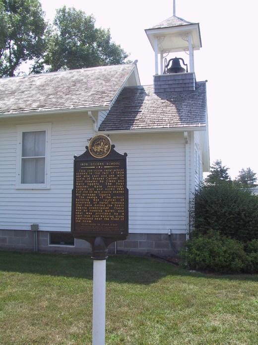 2003-60-SchoolHouse