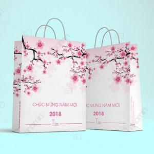 mẫu túi giấy chúc mừng năm mới ấn tượng