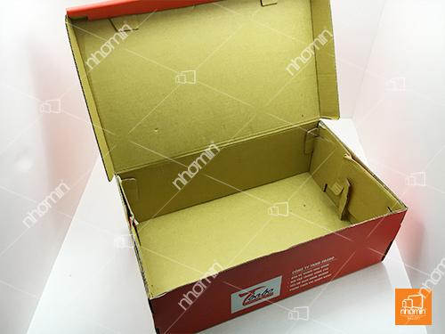 hộp carton bồi sóng E lót vàng