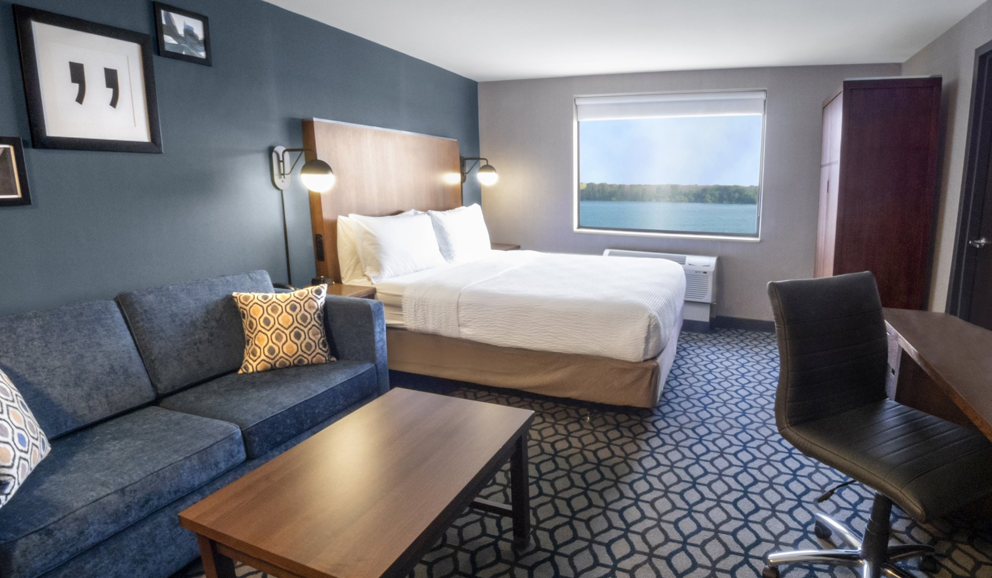 Niagara Riverside Resort - Our Rooms