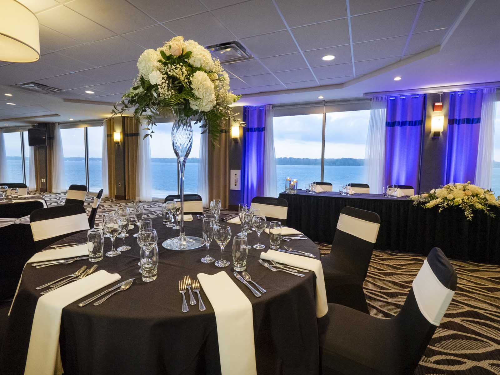Niagara Riverside Resort - Board Room