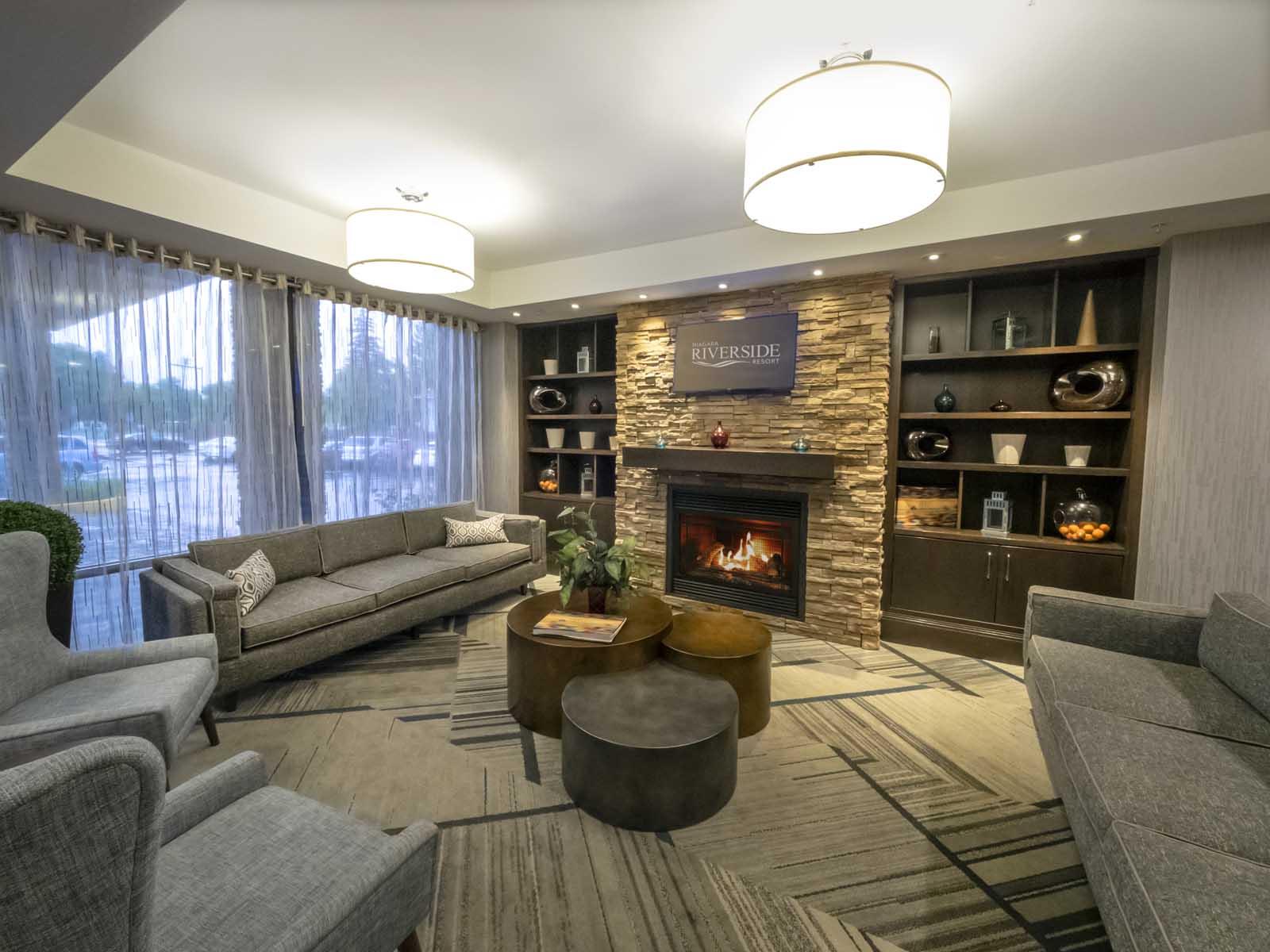 Niagara Riverside Resort - Lobby
