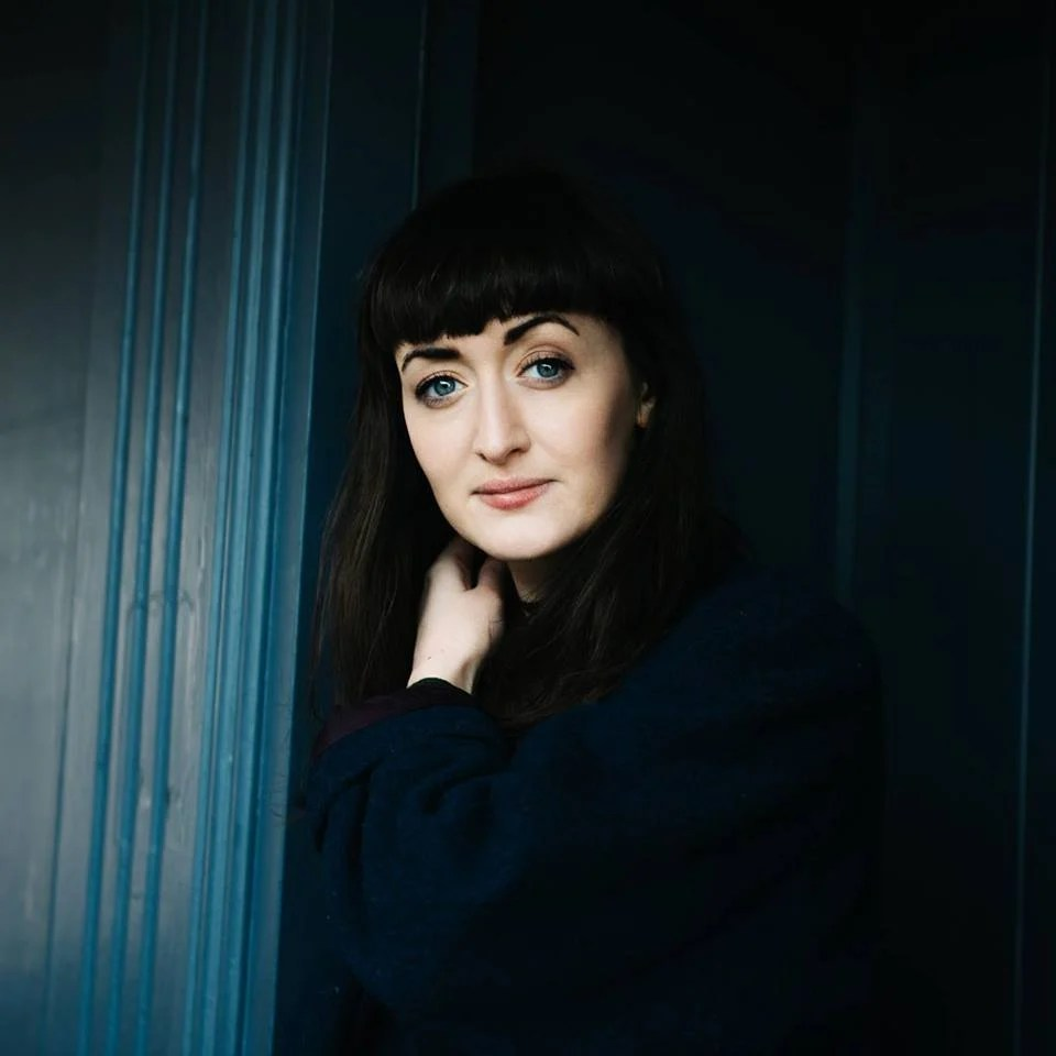 Premiere: Maria Kelly opens up on the topic of mental health with new track 'Dark Places'