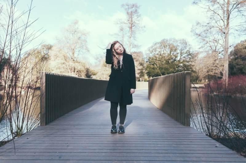 , Aislinn Logan explores holding back in relationships on new track 'Spree'
