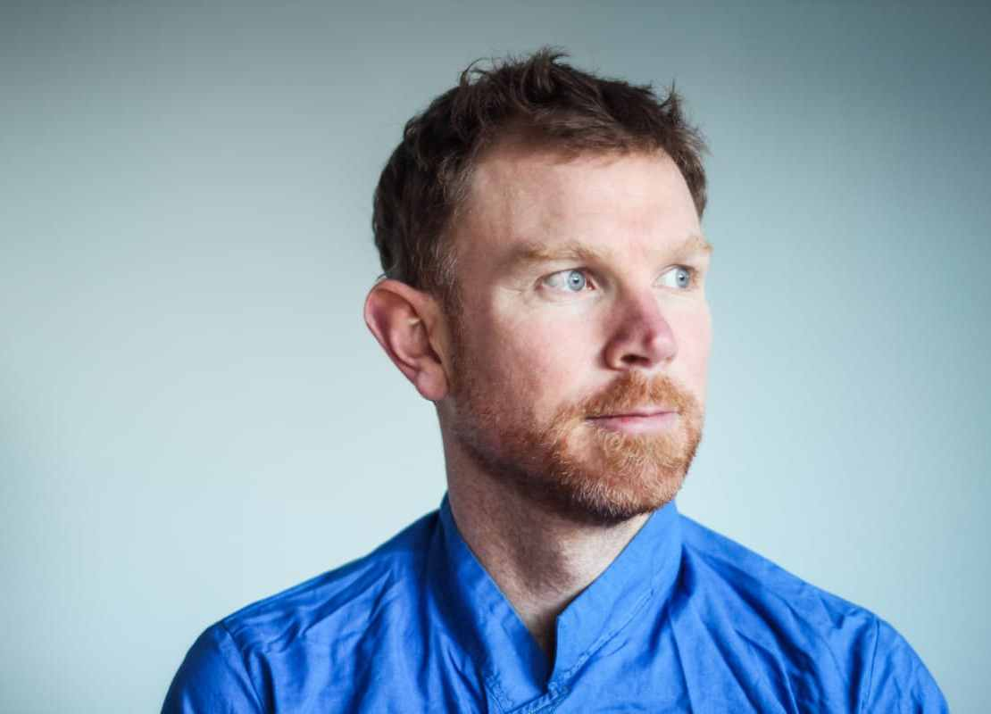 , Premiere: Seán Mac Erlaine releases atmospheric video for new track 'Horse-drawn Thoughts'
