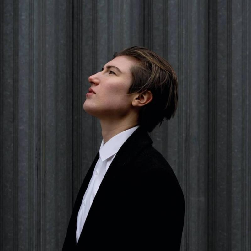 , Kitt Philippa releases uplifting & luminous new track 'Human'