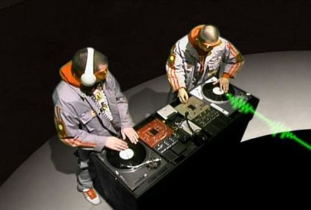 , DJ Q-bert live