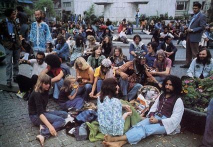 dam amsterdam hippietijd