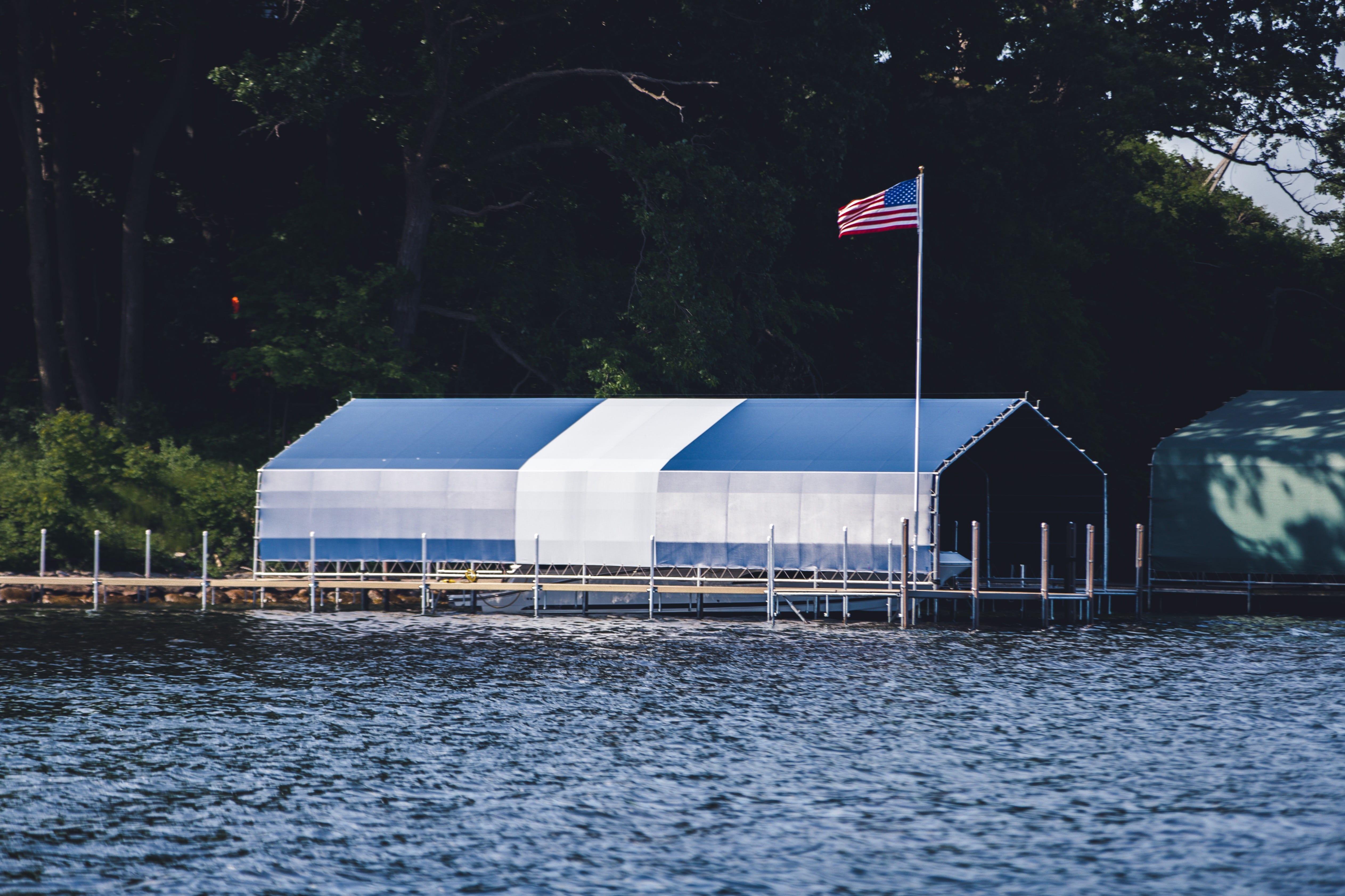 Lake Minnetonka Docks Boat Lifts Amp Boathouses Official Niccum Docks