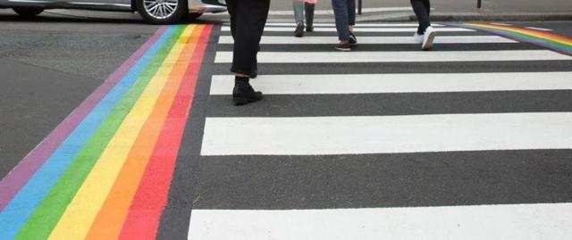 Paris passages piétons LGBT