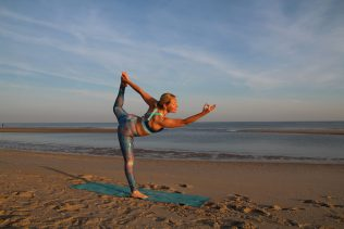 NiceDay blog: The best beach yoga locations in the Netherlands.