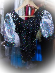 This costume was so tiny, I wonder what age/size it was meant for?