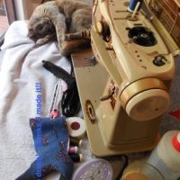 How to make a simple sewing machine cover ...