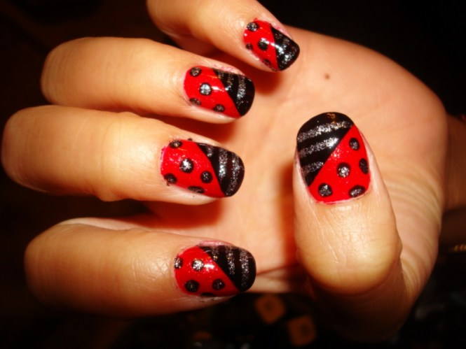 13 Red Black Nail Designs