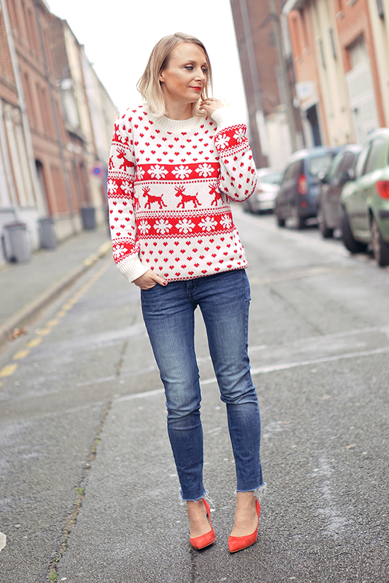 Perfect Outfit with Christmas Sweaters