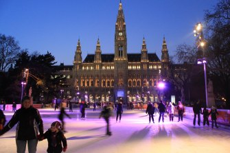 Viennese Ice Dream is an annual ice skating event organized by the city of Vienna in Austria right in front of the Rathaus (City Hall).