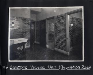 Figure 1: Smallpox Vaccine Unit (Preparation Room). 1918 Photograph Album, Sanofi Pasteur Canada (Connaught Campus), Toronto, Archives.