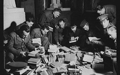 The Soldiers' Pocket Books That Legitimized Paperbacks