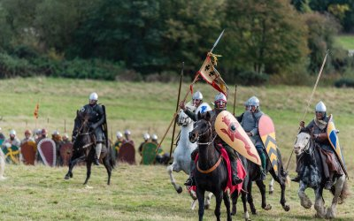 Medieval Missile Weapons and Longbows: Myths and Reality