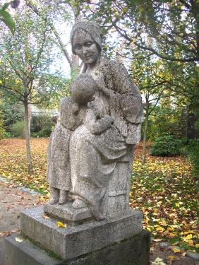 Mutter_Goethe_Denkmal_Frankfurt_Palmengarten