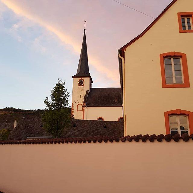 St. Laurentius im Abendlicht.