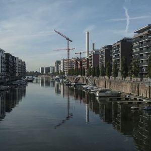 Leben am Fluss. #frankfurt #westhafenfrankfurt