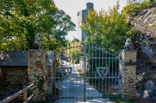 Das Burgtor ist verschlossen