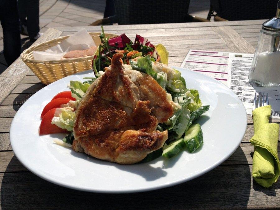 Caesar Salad mit Poulardenbrust @ Stahlberg, Alter Markt, Bielefeld
