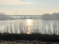 Obersee... Die Sonne geht der dem Viadukt auf...