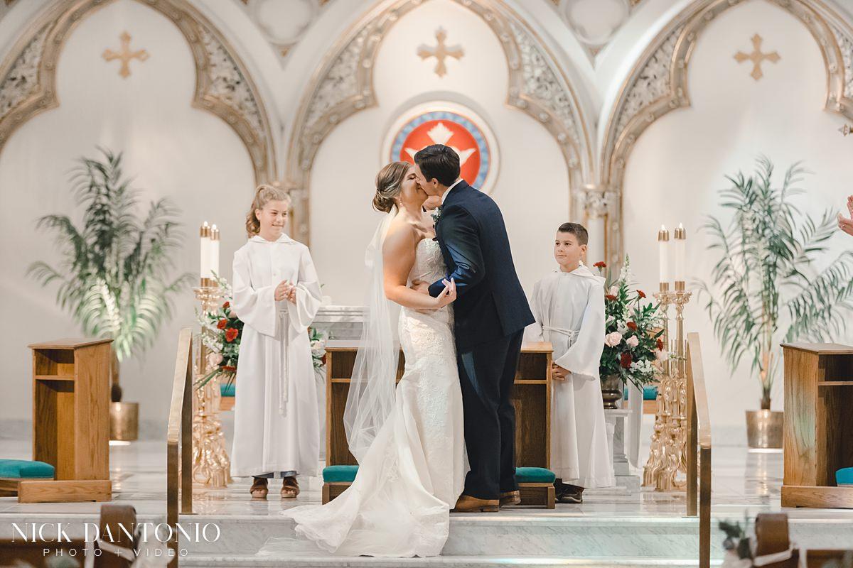 16-St Joseph Cathedral Wedding Ceremony